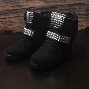 Steve Madden size 8.5 M US blk ankle wedges shoes